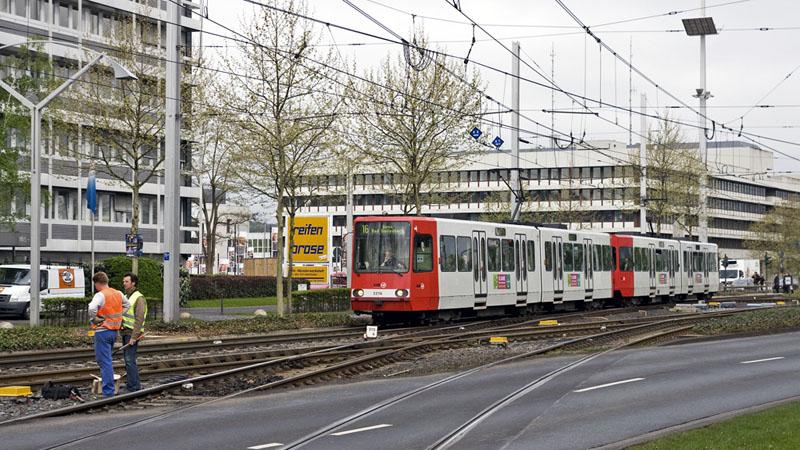 2216 und 2237 auf der KölnBonner Linie 16 nach Bad Godesberg